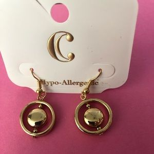 ☀️ Charming Charlie gold drop ear. With free gift!
